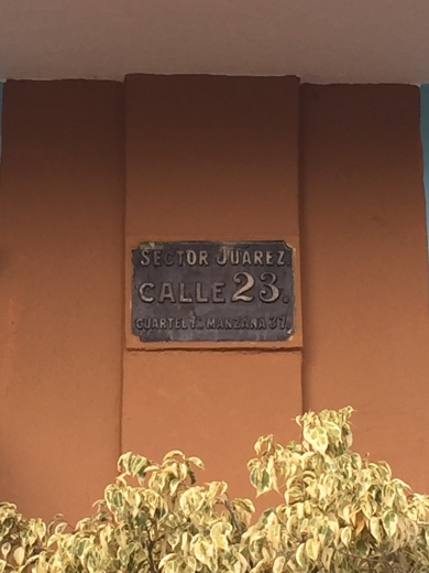 Calle 23 sign